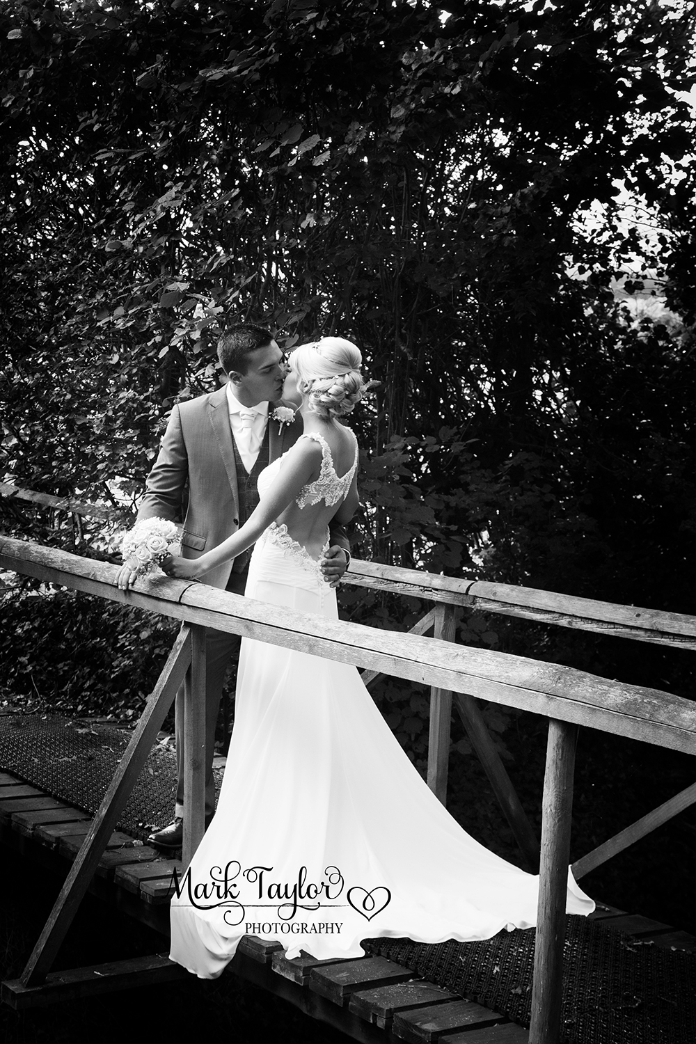 WEDDING PHOTOGRAPHY, WEDDING PHOTOGRAPHER, WESTON SUPER MARE, Aldwick Court Farm & Vineyard
